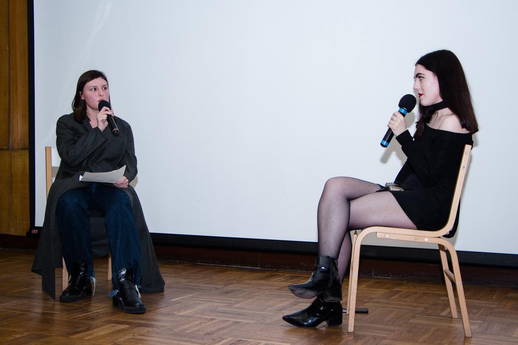 Эмма-Олвуд-Хоуп,-редактор-моды-британского-Dazed-(справа)
