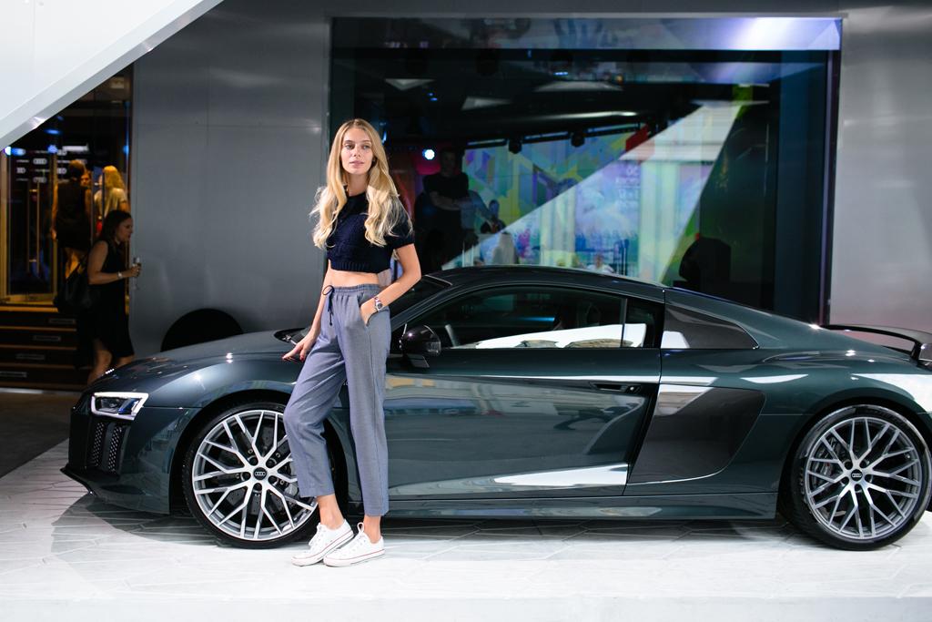 Ясмина-Муратович-и-Audi-R8